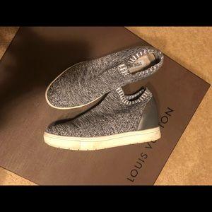 Steve Madden pull on sneakers size 8